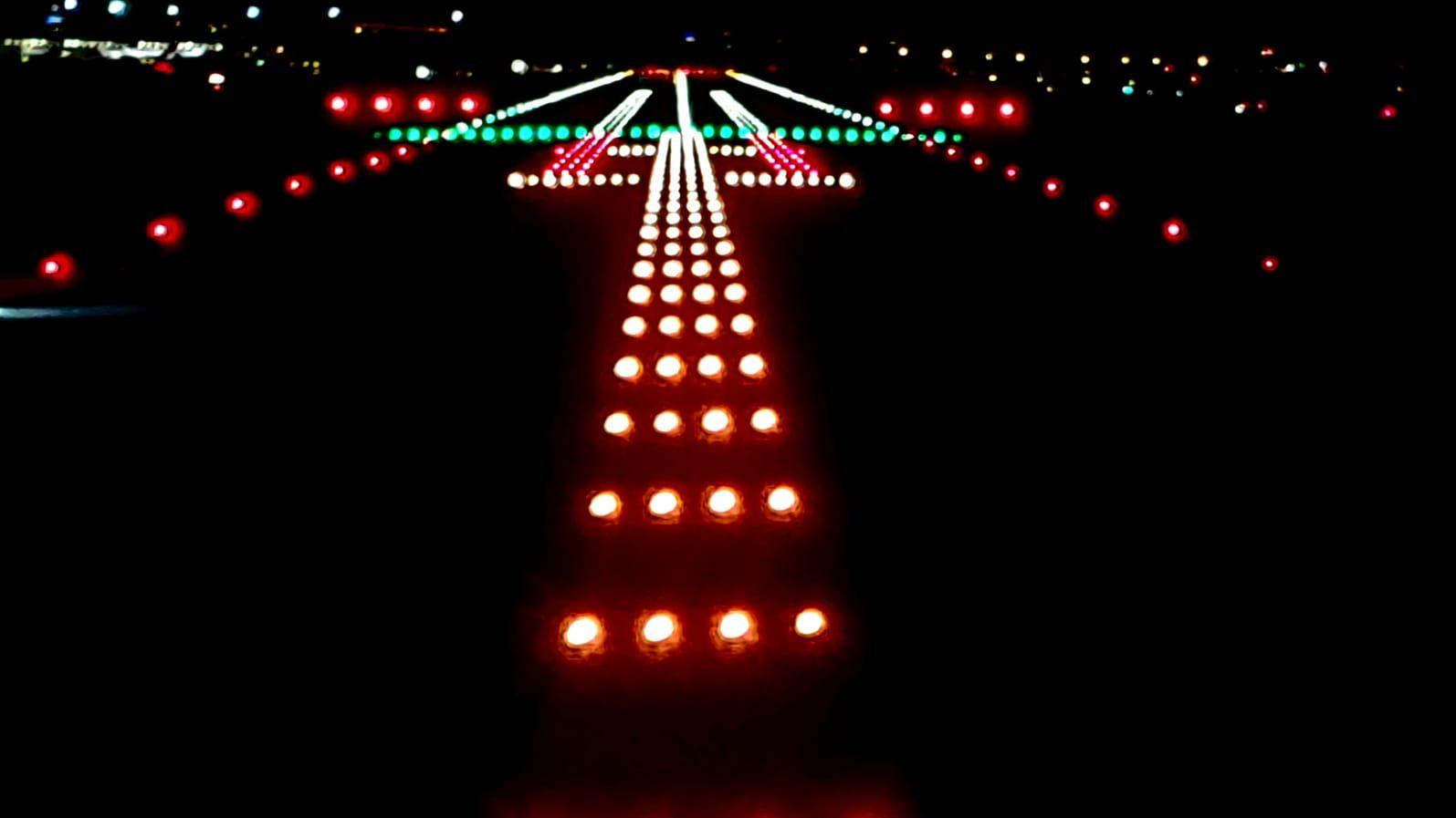 Instalación de iluminación en aeropuertos
