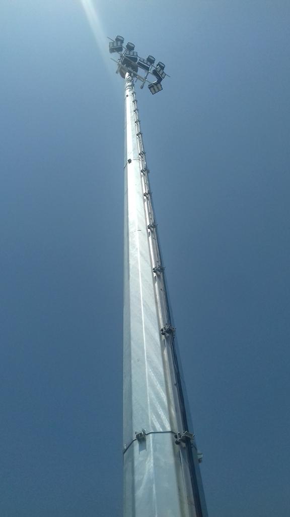 torre metálica iluminación